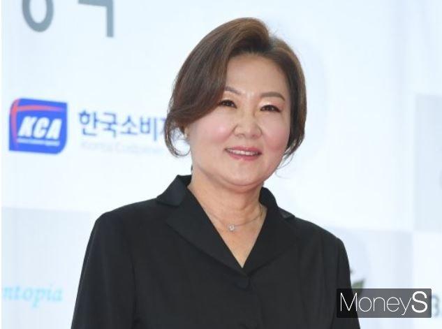 배우 김해숙이 '제24회 소비자의 날, 문화연예 시상식'에 참석했다. /사진=장동규 기자