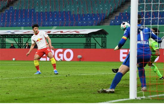 황희찬이 1일 브레멘전에서 1골 1도움을 기록했다./사진=로이터