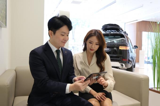 KB캐피탈은 차량 공유 업체 쏘카와 전략적 업무 제휴 협약을 체결했다./사진=KB캐피탈
