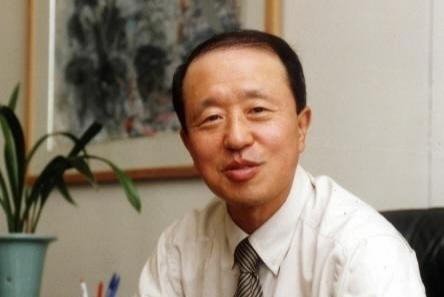 홍원식 남양유업 회장이 4일 '불가리스 사태'와 관련해 대국민 사과를 한다. /사진=남양유업