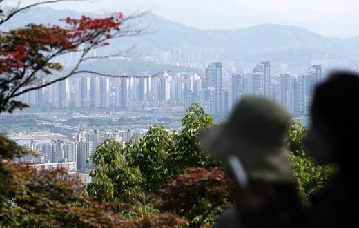 서울 집값 상승폭 두 달 연속 둔화됐지만… 강남 재건축 여전한 폭주
