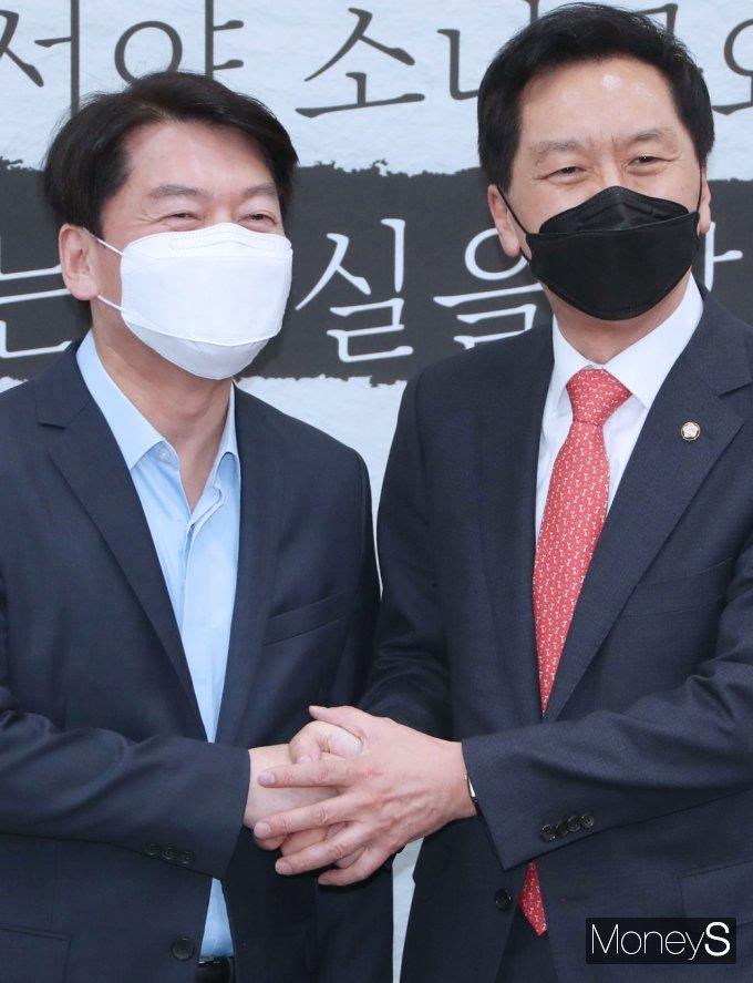 [머니S포토] 김기현-안철수, 첫 회동한 가운데...