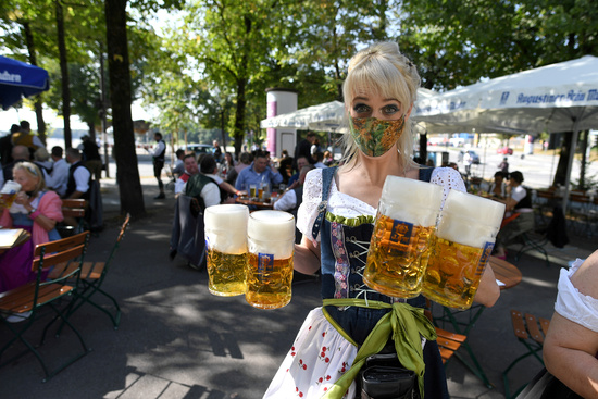 독일이 지난해에 이어 올해도 코로나19 확산세를 우려해 세계 최대 맥주축제를 취소한다고 발표해 아쉬움을 자아내고 있다. /사진=로이터