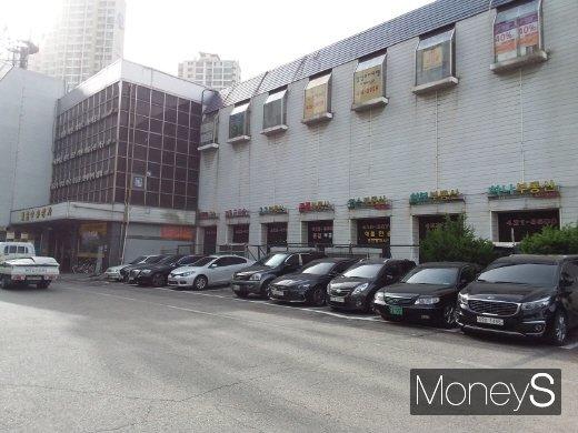 잠실주공5단지 재건축 인·허가 발목… 서울시, 호가 폭등 부담 된듯