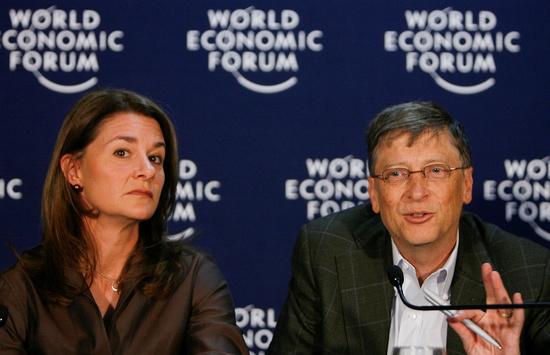 마이크로소프트(MS) 창업자 빌 게이츠(오른쪽)와 아내 멀린다 게이츠 이혼이 중국에 큰 충격을 주고 있다. /사진=로이터