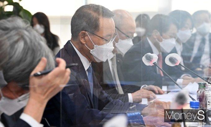 [머니S포토] 정세균 인사말 경청하는 상장회사협의회