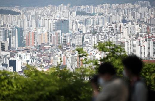 토지거래 허가 제한했는데… 서울 재건축 가격 더 올라