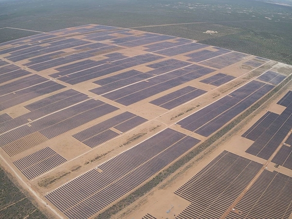 한화에너지가 개발해 운영하고 있는 미국 텍사스주 Oberon 1A 태양광발전소 전경. /사진=한화에너지