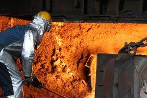 철광석 전년比 130% 급등… 철강재값 상승에 영세업체 '위기'