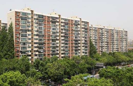 서울 아파트 매수심리 4주 연속 상승… 강남 포함된 동남권 '최고'
