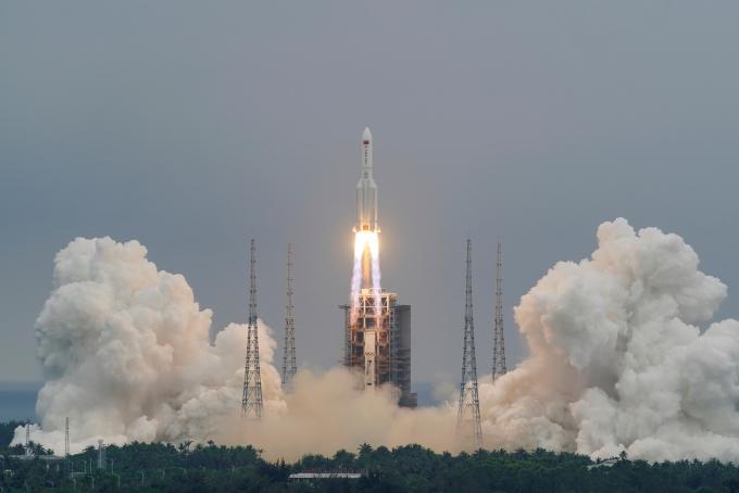 """中 로켓 잔해 9일 지구에 추락… """"정확한 추락지점 알 수 없어"""""""