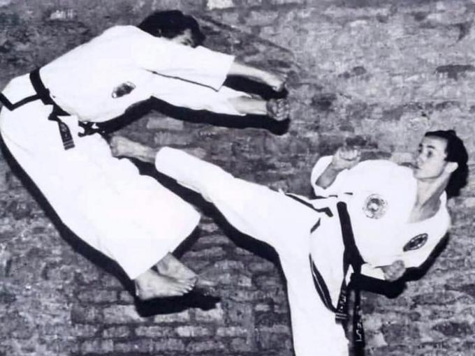 다리를 절단하기 전 태권도를 하는 데이브 미어스(58)의 모습 (고펀드미 갈무리) © 뉴스1