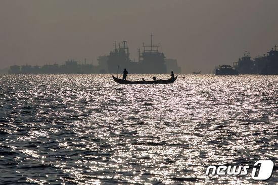 미얀마 양곤강. © AFP=뉴스1