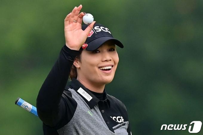 혼다 LPGA 타일랜드서 우승을 차지한 아리야 주타누간. © AFP=뉴스1