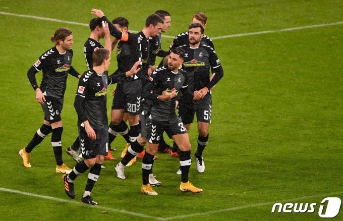 쾰른을 4-1로 완파한 프라이부르크. © AFP=뉴스1