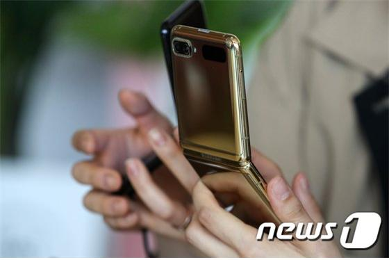 휴대폰 도난 및 분실만 전용으로 보상하는 보험이 출시됐다./사진=뉴스1