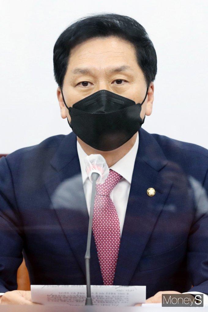 [머니S포토] 靑 인사수석 경질 압박 발언하는 국민의힘 '김기현' 대행
