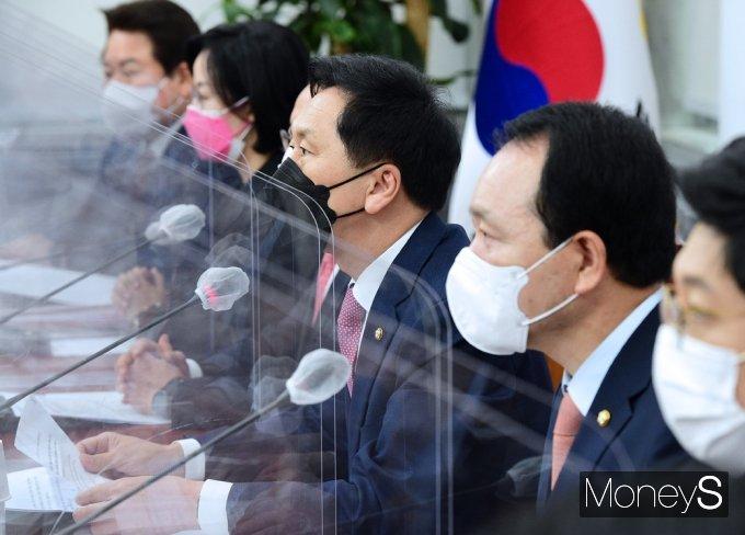 """[머니S포토] 김기현 """"'검찰 개혁' 한다는 미명 하에 살아있는 권력 비리 대해선 한없이 관대"""""""