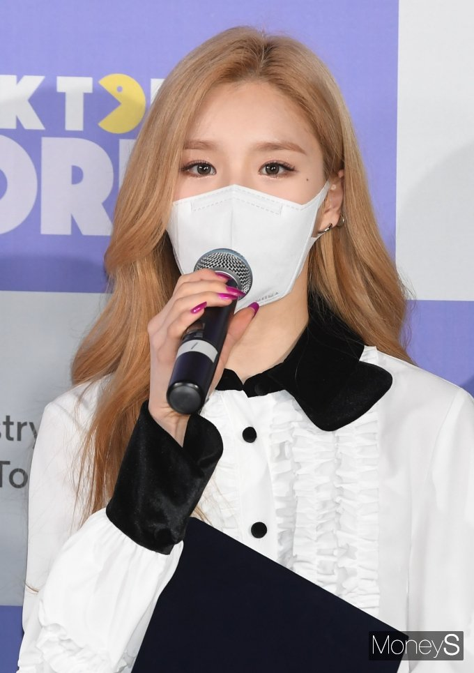 [머니S포토] 이달의 소녀 희진 '열심히 홍보대사로 활동하겠습니다'