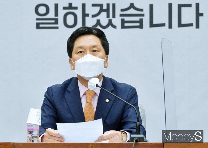 [머니S포토] 文 대통령 특별연설 비판 목소리 높인 국힘 김기현 대행