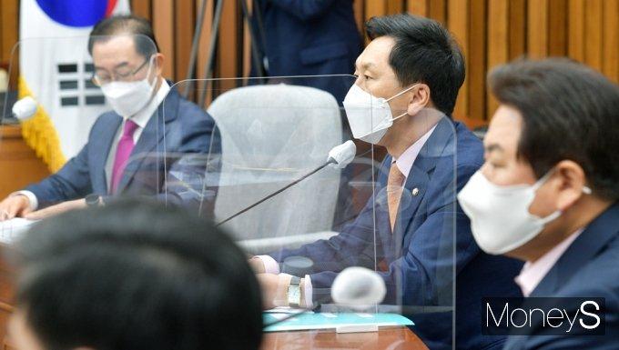 """[머니S포토] 김기현 """"자화자찬 일관…국민소통의 장 아닌 국민불통의 장으로 만들어"""""""