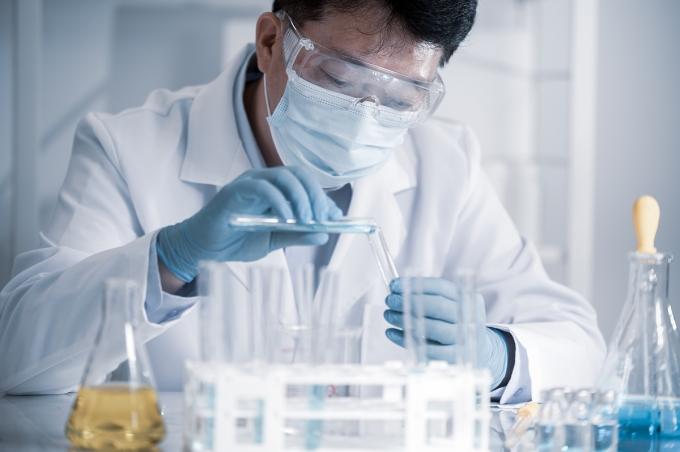 국산 신종 코로나바이러스 감염증(코로나19) 백신이 개발되려면 임상 참여자 10만명 이상이 필요할 것이란 전망이 나왔다./사진=이미지투데이