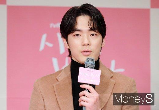 배우 김정현이 강경대응을 예고했다. /사진=장동규 기자