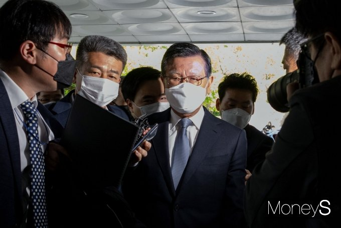[머니S포토] '계열사 부당지원' 구속 기로 선 박삼구 전 회장