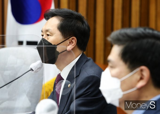 """[머니S포토] 김기현 대표 대행 """"정부, 백신 마련 구체적 대안 촉구해야..."""""""