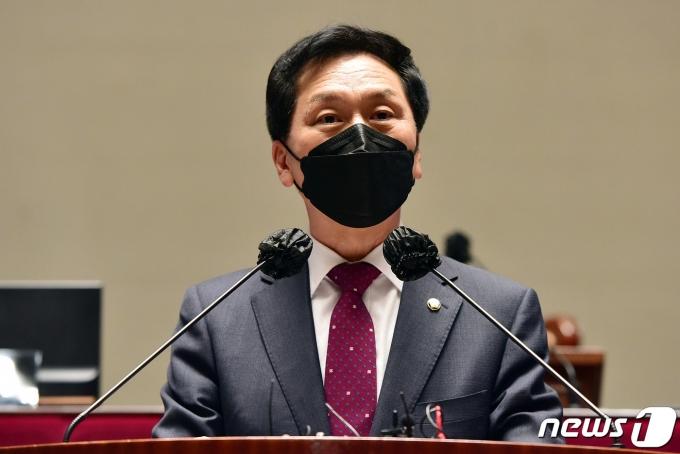 12일 오후 국회에서 열린 국민의힘 의원총회에서 김기현 대표 권한대행 겸 원내대표가 발언을 하고 있다. 2021.05.12/뉴스1 © News1 이동해 기자