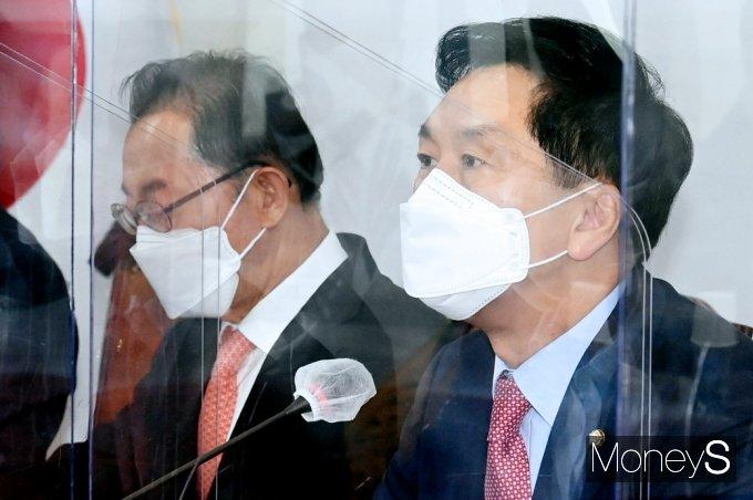 """[머니S포토] 국힘 김기현 """"여론악화와 정국경색 책임, 대통령과 민주당에 있어"""""""