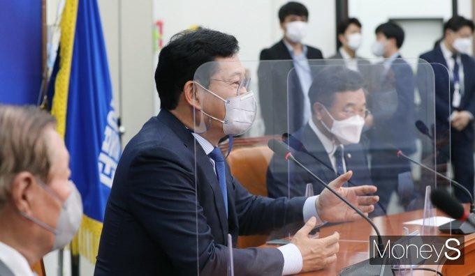 [머니S포토] 與 상임고문단 간담회 발언하는 '송영길'
