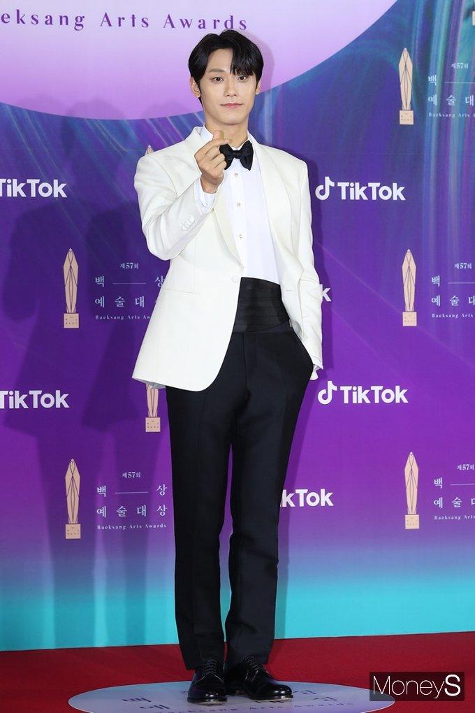 이도현이 남자 신인 연기상을 수상하는 기쁨을 누렸다. /사진=백상예술대상 사무국 제공