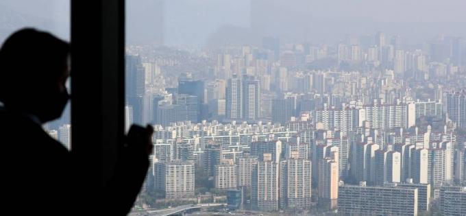 14일 국토연구원 부동산시장연구센터에 따르면 4월 서울 주택 매매시장 소비심리지수는 129.8로 전월 보다 0.8포인트 상승했다. /사진=머니투데이