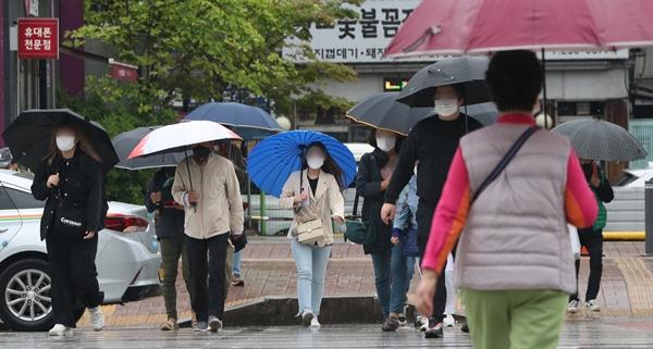 오늘(15일)은 전국적으로 비가 내려 더위가 한풀 꺾일 것으로 보인다. /사진=뉴스1