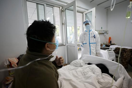 코로나19 발생 초기 중국 우한의 한 병원. /사진=로이터