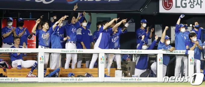 [사진] 삼성 '동점이다!'