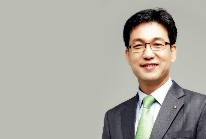 조윤성 사장, '남혐 논란'에 고개 숙였지만… 진화되지 않은 분노