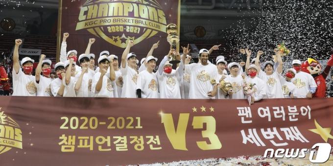 [뉴스1 주간 핫포토] 문재인 대통령, 김부겸·임혜숙·노형욱 임명 '청문정국 속결'