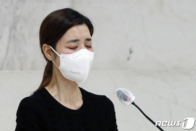 [사진] 배우 김규리 '이춘연 대표 생각하니 눈물이'