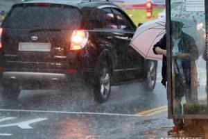 [오늘날씨] 전국 흐리고 비온다… 이른 무더위 '주춤'