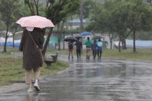 [내일 날씨] 오전에 강한 비… 수도권 예상 강수량 50~100㎜