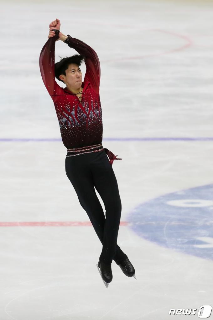 [사진] 이시형 '점프'