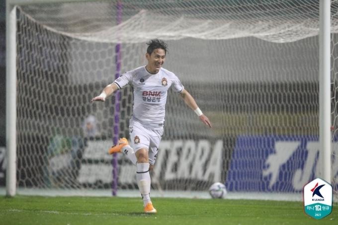 경남FC의 김동진(한국프로축구연맹 제공)© 뉴스1