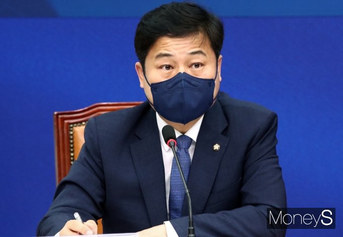 [머니S포토] 민주당 산업재해 예방TF, 발언하는 김영배 TF단장