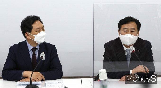 [머니S포토] 김기현 중기중앙회장 만난 김기현 권한대행