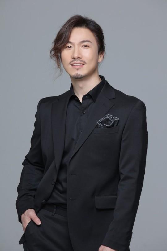 가수 정홍일이 부친상을 당했다. /사진=쇼플레이 엔터테인먼트