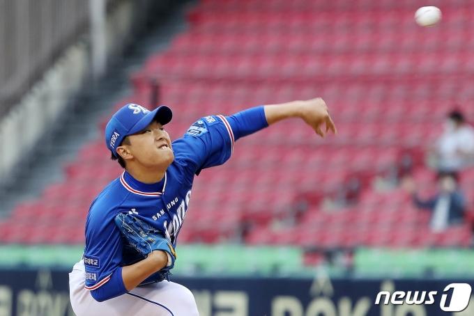 [사진] 삼성 이승민 '승리를 위해'