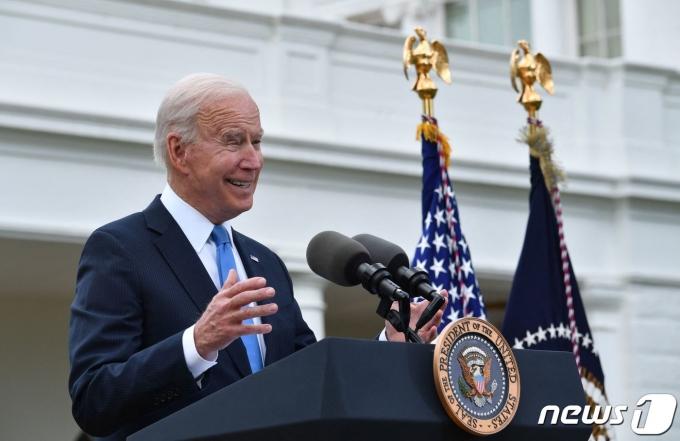 조 바이든 미국 대통령이 14일 백악관에서 코로나19 관련 연설을 하고 있다. © AFP=뉴스1