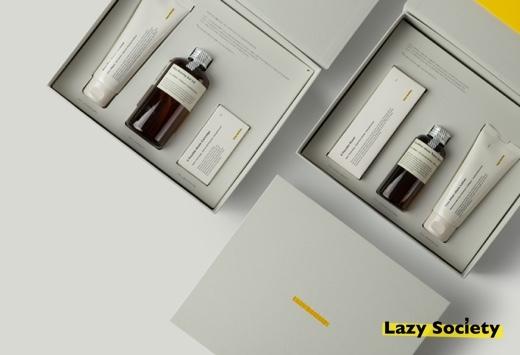 면도 용품 전문 브랜드 '레이지 소사이어티'는 면도 용품과 함께 맞춤구독까지 선물할 수 있는 '집중케어 세트'와 '풀케어 세트' 2종을 선보였다. /사진=레이지 소사이어티